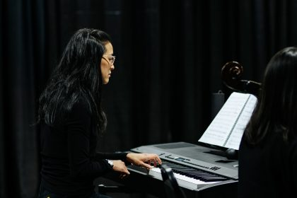 Perri Lo during a rehearsal of the opera The Flight of the Hummingbird, in Vancouver, in January 2020. Photo by Nadia Zheng